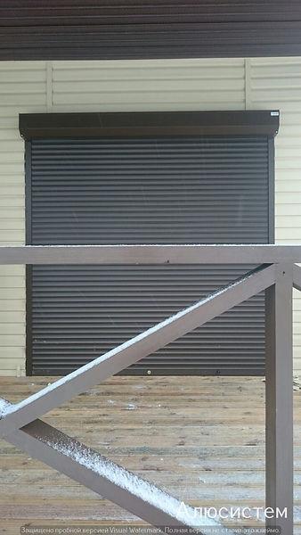 роллета на входную дверь коричневая.jpg