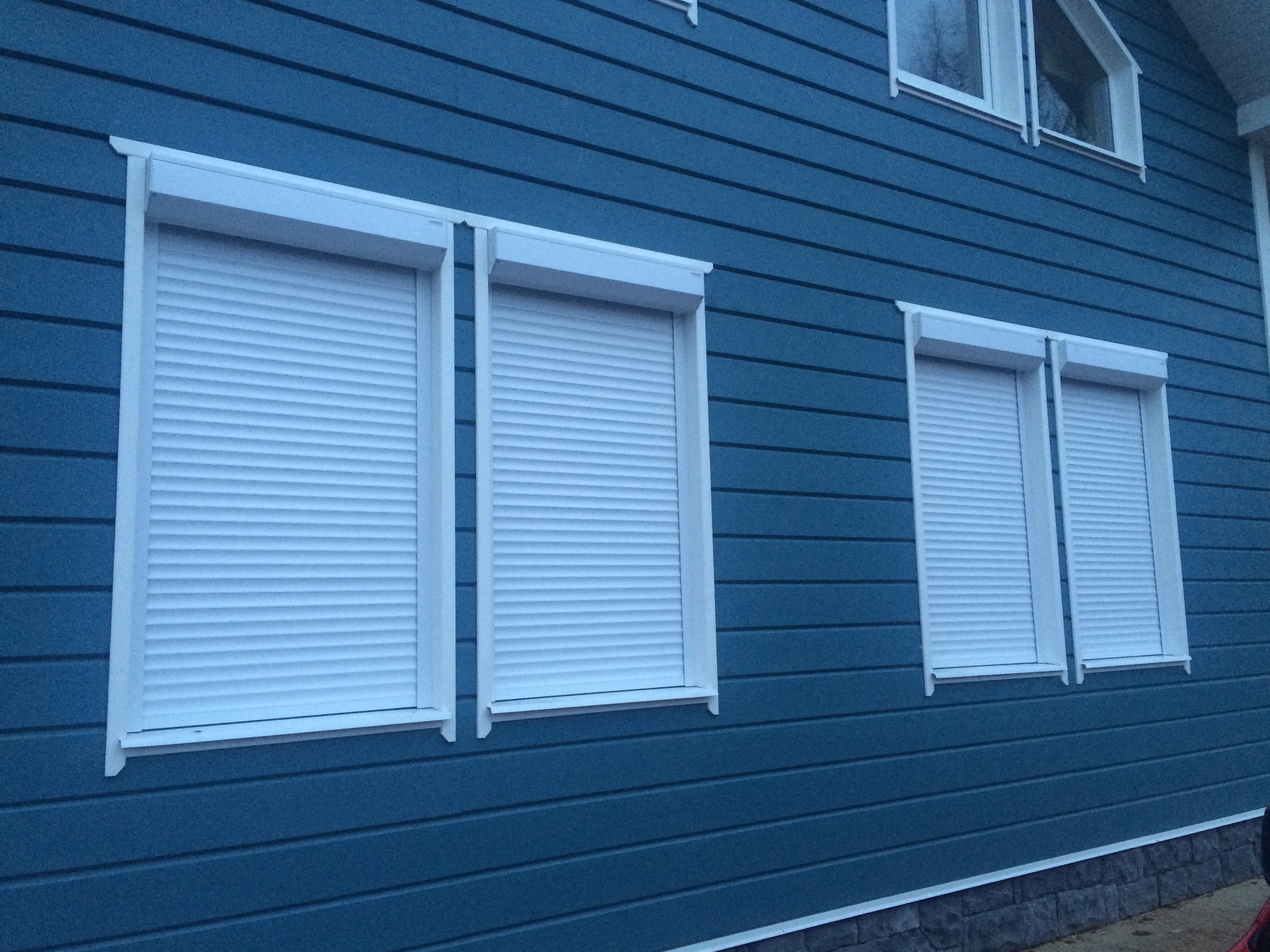 Роллеты на окна дачи