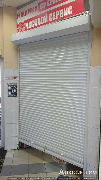 металлические рольставни на двери.jpg