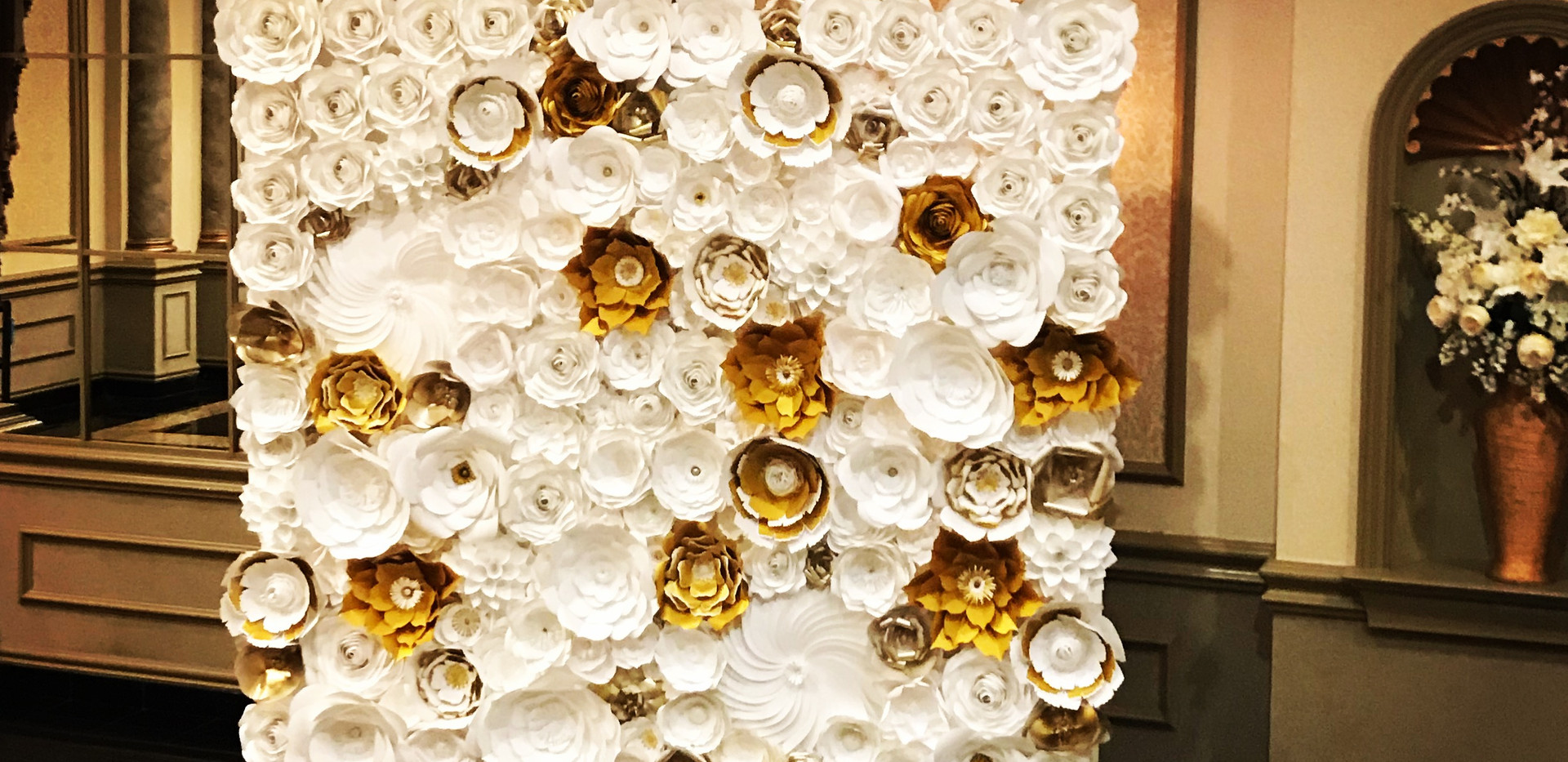 White & Gold Backdrop With White Rose Corners
