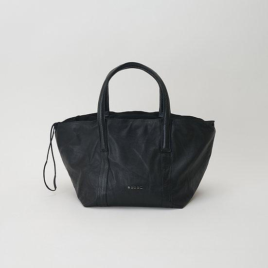 DH05 M Tote-Black