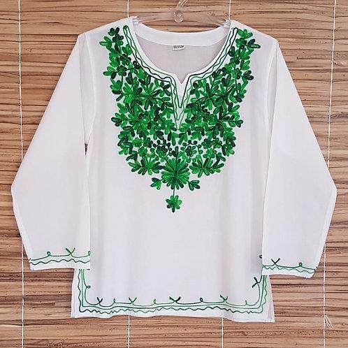Bata Branca Indiana com Bordado Verde