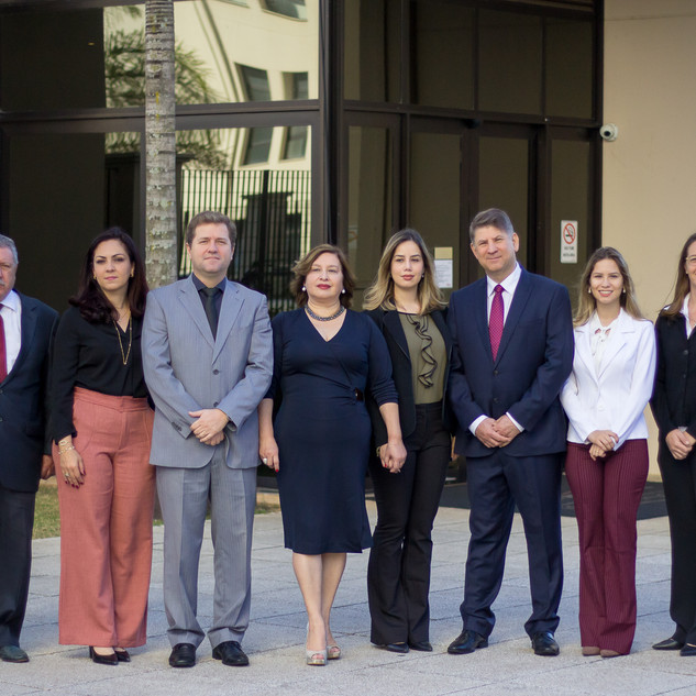 Equipe Ari Torres Advogados Associados (2019).