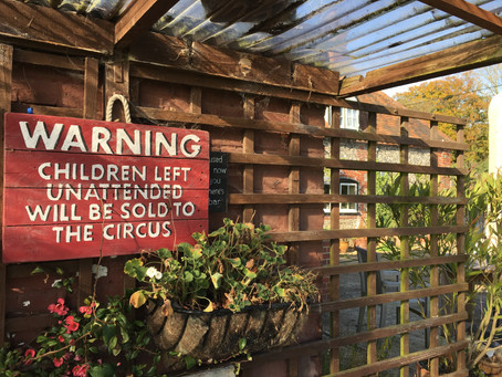 Ivy's Traveling Circus, Chapter 2 | Central London