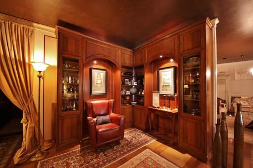 Composizione boiserie artigianale in legno la griffe for Arredamenti piemonti carate brianza