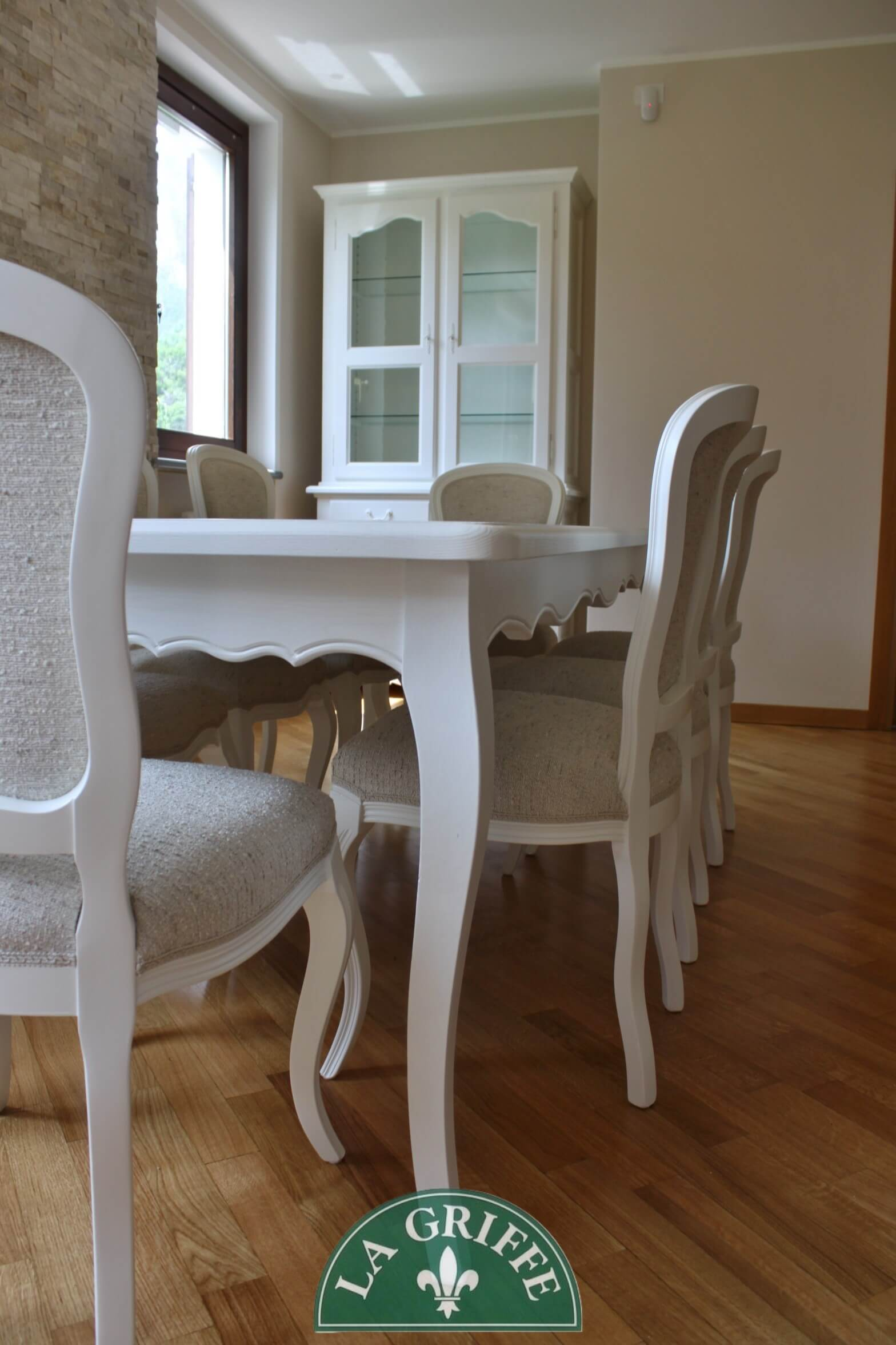 Tavolo provenzale sagomato
