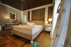Camera da letto classica artigianale