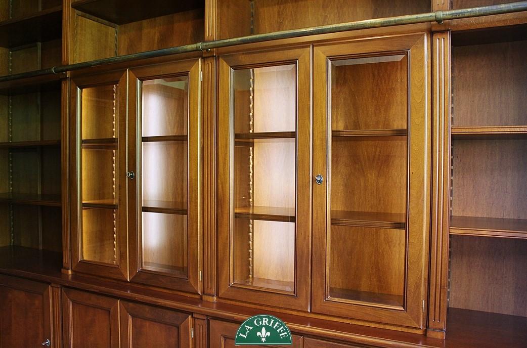 libreria in legno massello su misura