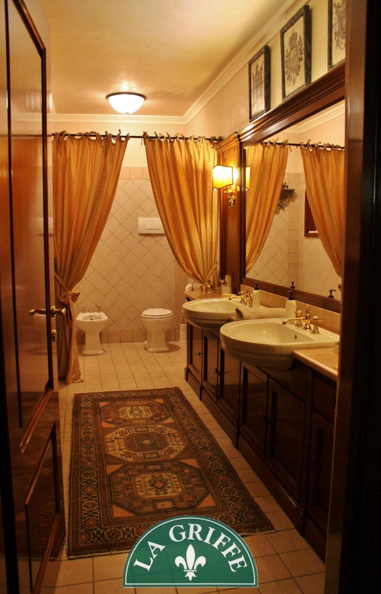 arredo bagno sanitari classico