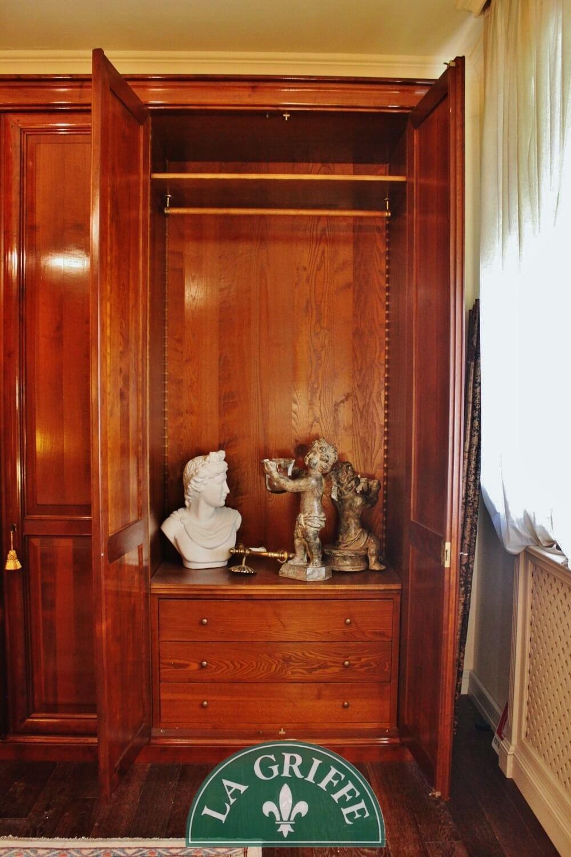 armadio classico in ciliegio