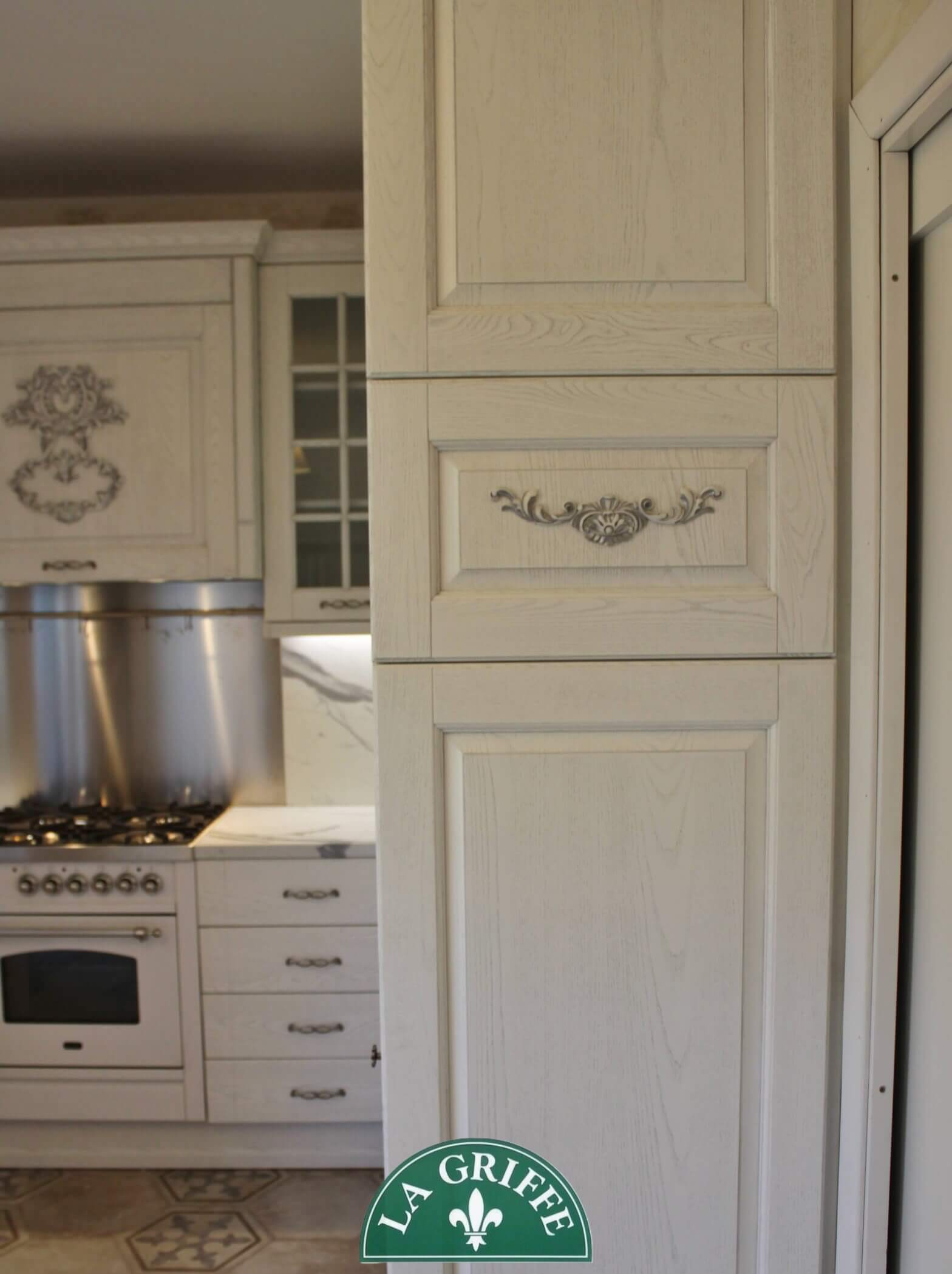 Classic provence kitchen