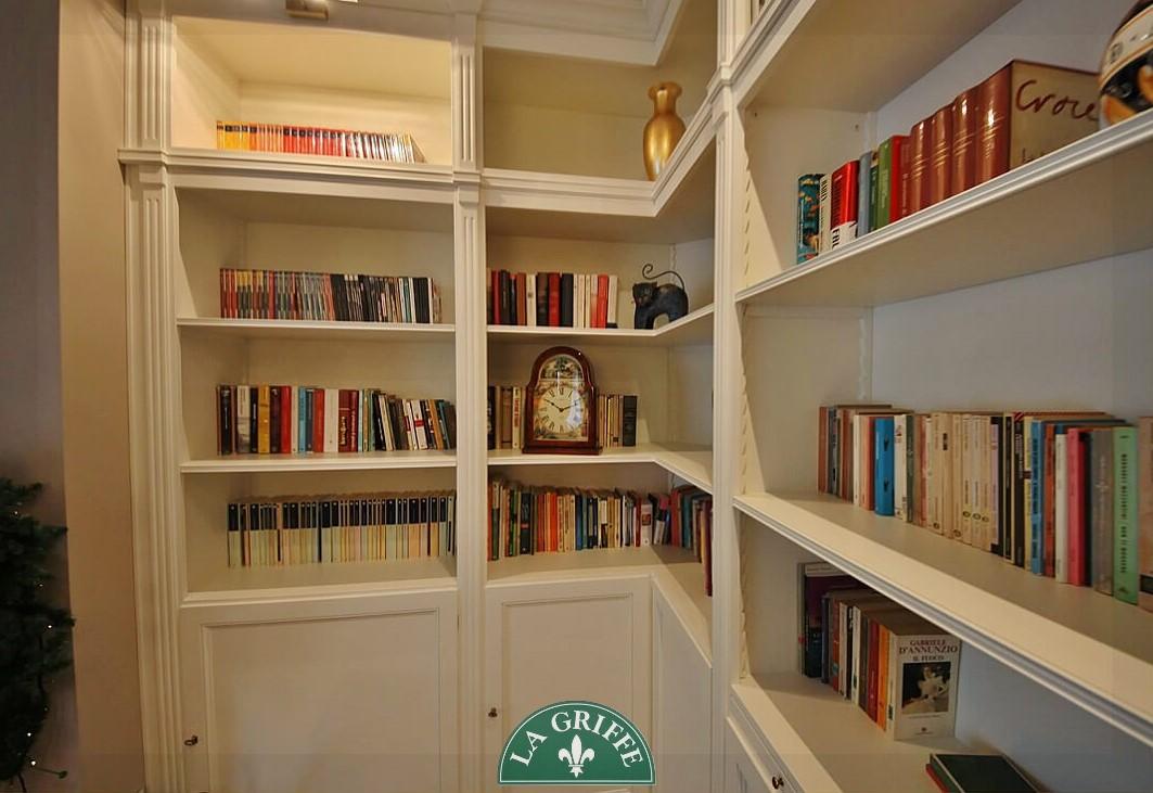 libreria classica lesene su misura