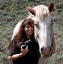 Simone.AboutPhoto.RGB.jpg