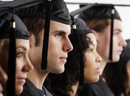Juiz critica estudantes que pretendiam avançar no curso mesmo com reprovação