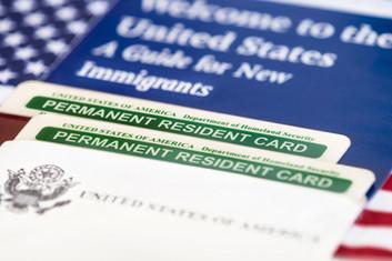 ¿Sabe cómo obtener un visado I-485 o renovar su tarjeta verde?