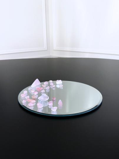Miroir orné de Quartz roses