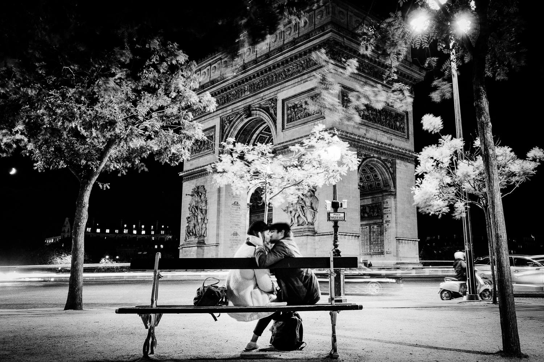 Love at Arc de Triomphe