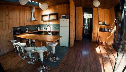 Cocina Casa K Surf Lodge Posada Punta de Lobos
