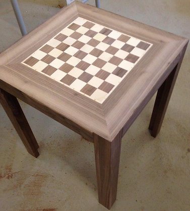 Beistelltisch als Schachbrett ca. 45 x 45 x 45 cm