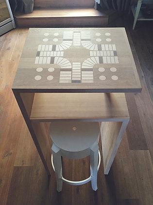 Steh- und zugleich Spieltisch