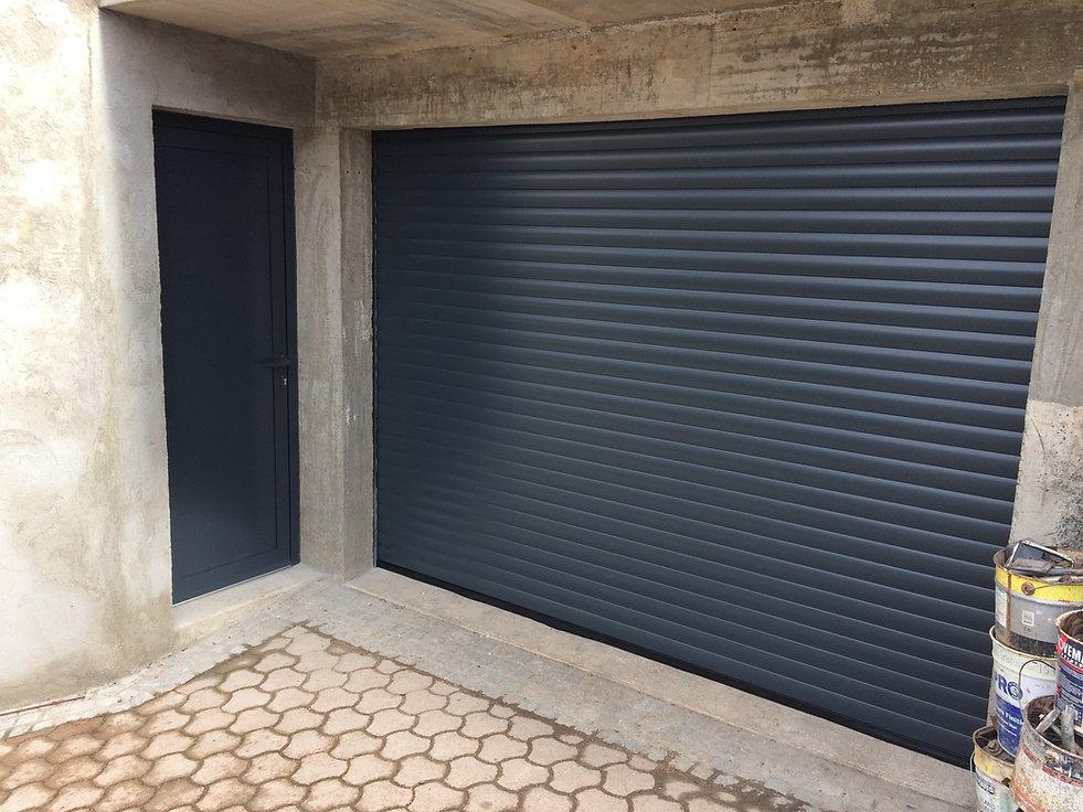 Porte de service aluminium & Porte de garage enroulable Nohanent 63830