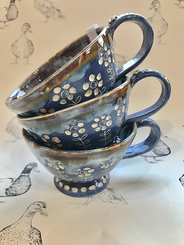 Daisy tea mug