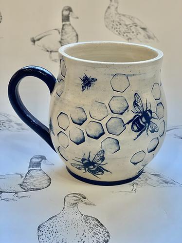 Tall bee hug mug