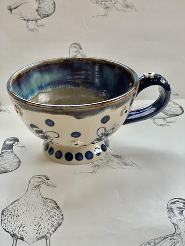 Bumblebee tea mug