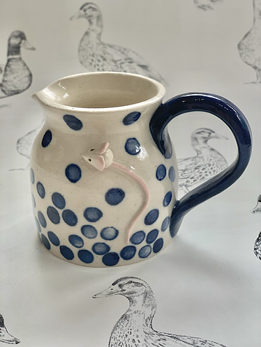 Small mousie jug