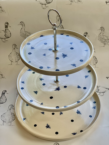 Bee cake stand