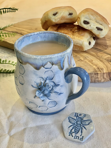 Denim blue tall bee mug
