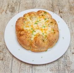 Tear & share garlic bread