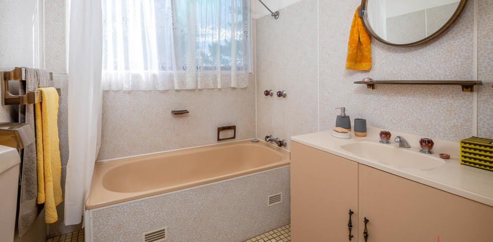 17 Palana Web Bath.jpg