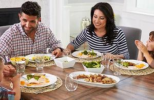 40152-35032-family-dinner-children.1200w