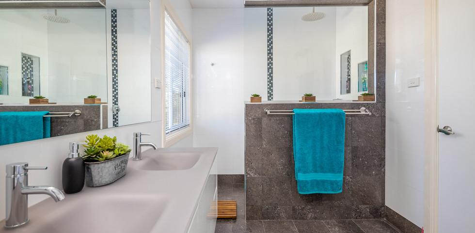 200 Burri Web Bath1.jpg