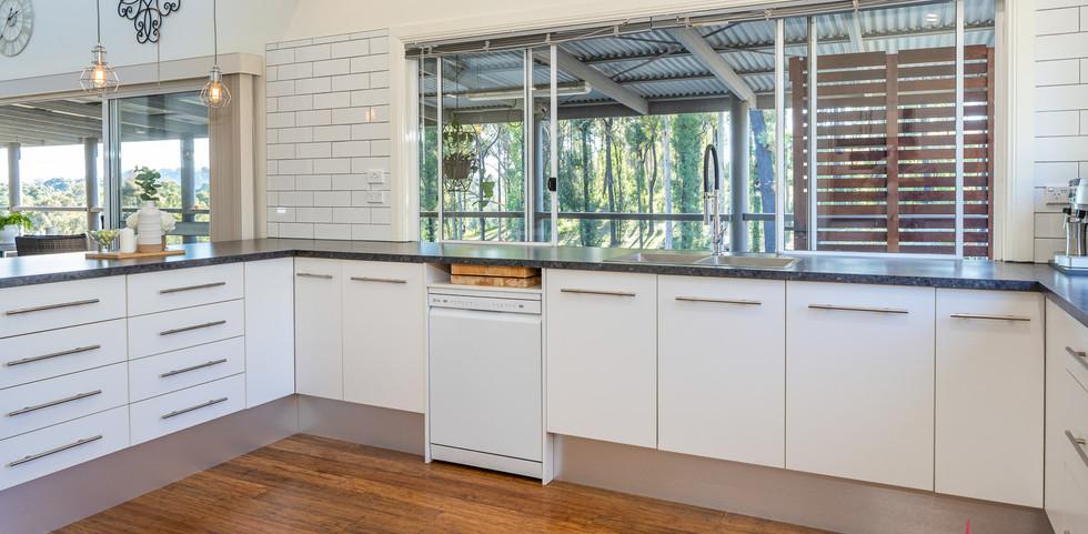 200 Burri Web Kitchen2.jpg