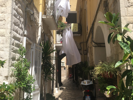 From South to North: Street Views of Italy
