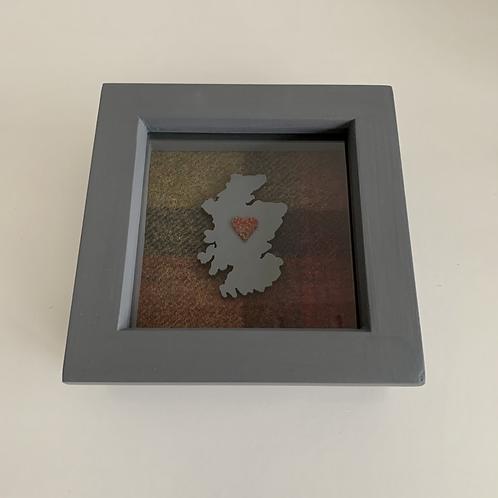 Love Scotland Tartan Textile | 10cm Grey