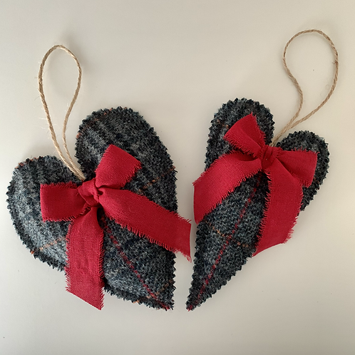 Lavender Hanging Heart | Guiseley Charcoal