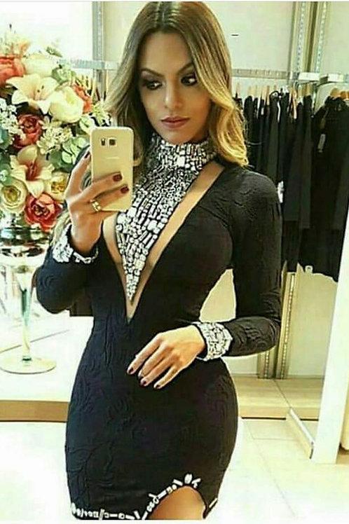 Vestido Bordado Decote Maxi Detalhe Pulso