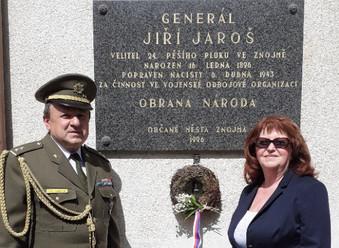 8.5.2020 pamětní deska J. Jaroše.jpg