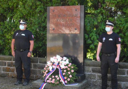 Broumov památník.JPG