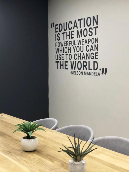 EDIT Boardroom Corporate Interiors (5)1.