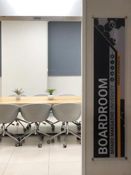 EDIT Boardroom Corporate Interiors (9)1.