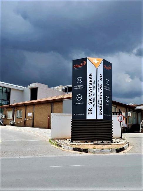 EDIT Hospital Pylons -Signage (4).jpg