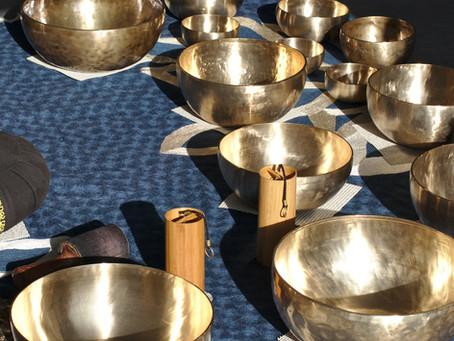Stage de yin yoga et méditation sonore aux bols tibétains.