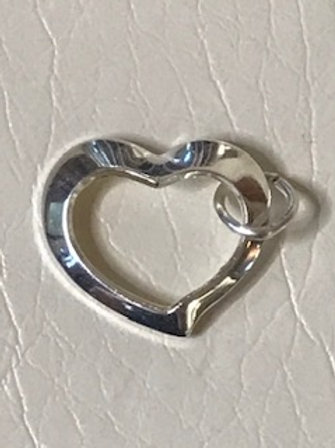 LADIES STERLING SILVER FLOATED HEART CHARM
