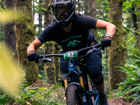 Fresh Grease Riders Finish Fast at Sturdy Dirty Enduro