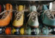 classic-footwear-roller-skates-2044086.j