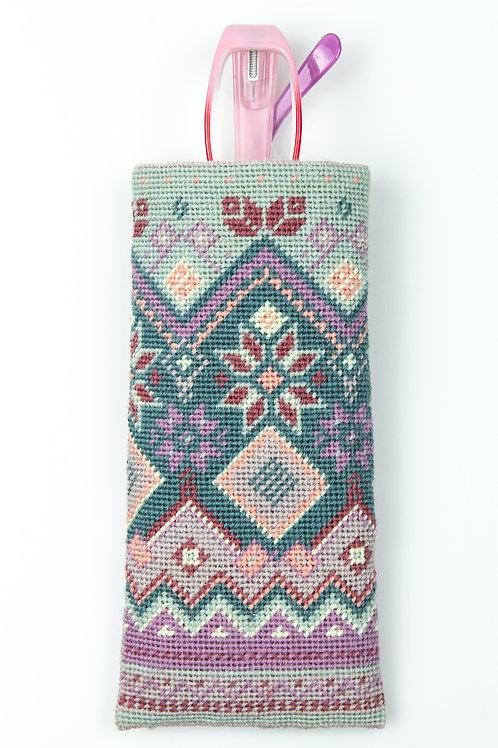 Fair Isle Case Needlepoint Kit